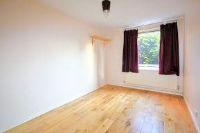 Thumbnail 1 bed flat to rent in Greatham Walk, Wandsworth