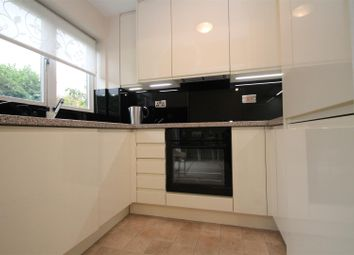 1 bed property to rent in Winningales Court, Clayhall IG5