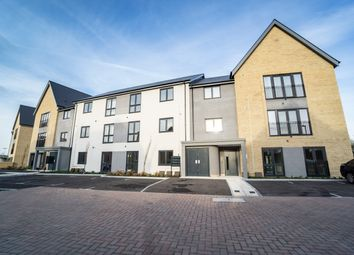 Thumbnail 2 bed flat for sale in The Severn, Imperial Way, Reading, Berkshire