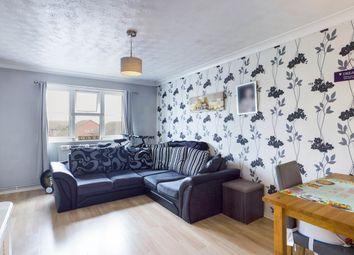 2 bed flat to rent in Parish Gate Drive, Sidcup, Kent DA15