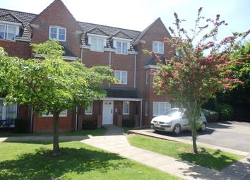 Thumbnail 2 bed flat to rent in Fennel Court, Thatcham