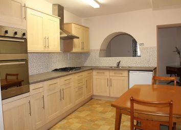 Thumbnail 2 bedroom flat to rent in Wood Street, Calne