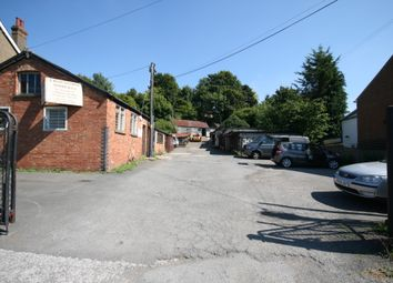 Thumbnail Warehouse to let in Hivings Hill, Chesham