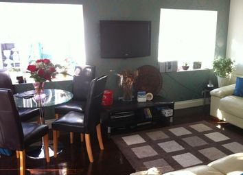 Thumbnail 3 bedroom flat to rent in Kingswood Road, Seven Kings, Ilford