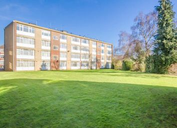 2 bed property for sale in Park Farm Close, London N2