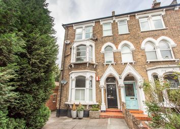Fortis Green Road, East Finchley N2. 2 bed flat