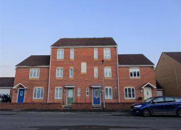 4 bed property to rent in Avill Crescent, Taunton TA1