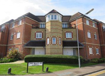 Thumbnail 3 bedroom flat for sale in Wellsfield, Bushey