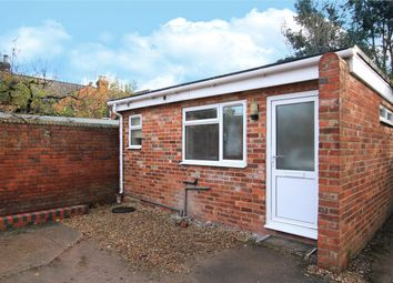 Thumbnail 1 bed flat to rent in Alexandra Road, Reading, Berkshire