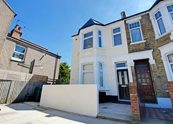 Thumbnail 2 bed flat to rent in Heatherton Terrace, Squires Lane, Finchley