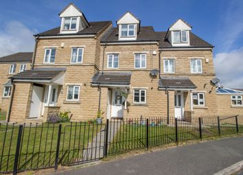 3 bed town house for sale in Kingfisher Court, Bradford BD6
