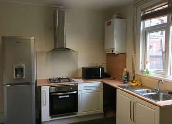 Thumbnail 1 bedroom flat to rent in Biscot Road, Luton