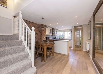 3 bed property for sale in Goodman Crescent, London SW2