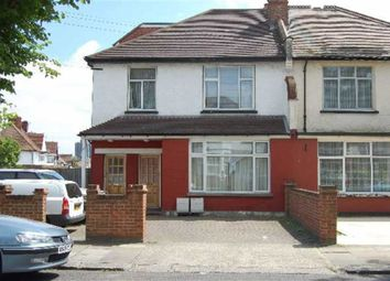 Thumbnail 2 bed flat to rent in Berkhampstead Avenue, Wembley