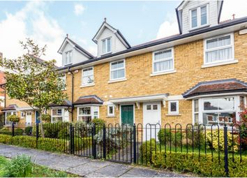 3 bed town house to rent in Upper Village Road, Ascot SL5