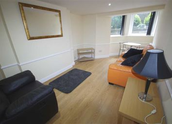 3 bed flat to rent in Prescott Street, Halifax HX1