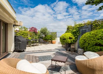 Thumbnail 4 bed apartment for sale in Levallois Perret, Paris, France