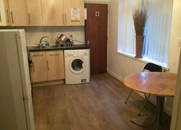 Thumbnail 6 bed town house to rent in Room 5, 11 St Vincents Avenue, Doncaster, South Yorkshire