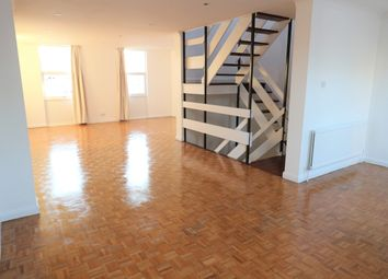 Thumbnail 3 bed town house to rent in Brocas Close, London