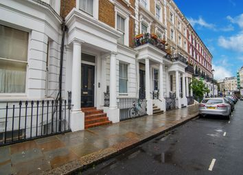 Thumbnail 1 bed flat to rent in Hogarth Road, London, UK