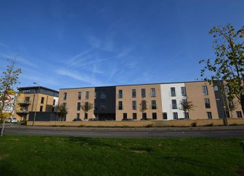 Thumbnail 2 bed flat to rent in Angus Court, Thame
