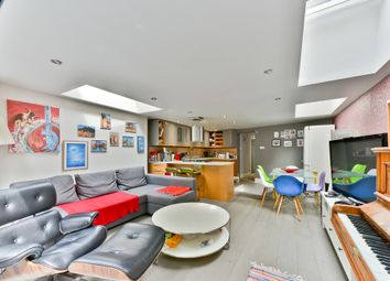Thumbnail 3 bed flat for sale in Taybridge Road, London