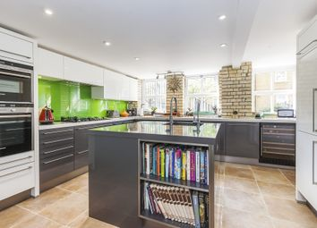 Thumbnail 2 bed flat for sale in The Paragon, Searles Road