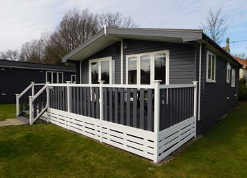 Thumbnail 2 bed mobile/park home for sale in Marsh Road, Lowestoft
