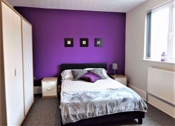Fully Furnished Double Room, Town Centre, Chester Street, Suitable For Couples SN1. 4 bed shared accommodation
