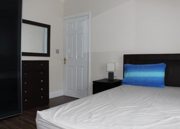 Thumbnail Room to rent in Clarendon Gardens, Wembley, Middlesex