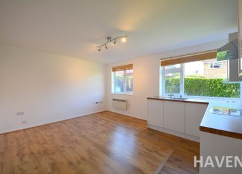 Thumbnail 2 bed flat to rent in The Walks, East Finchley, London