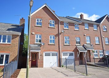 3 bed town house for sale in Kingsley Square, Fleet GU51