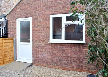 Thumbnail 1 bed bungalow to rent in Hatfield Road, St Albans, Hertfordshire