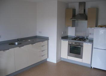 2 bed flat to rent in Steele House, Wooden Street, Salford M5