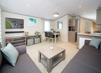 3 bed mobile/park home for sale in Crow Lane, Little Billing, Northampton NN3