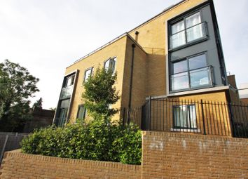 Thumbnail 2 bed flat to rent in Sanderstead Hill, Sanderstead, Surrey
