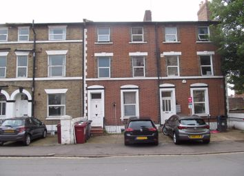Thumbnail 6 bed terraced house to rent in Watlington Street, Reading