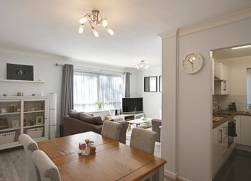 2 bed property for sale in Lincoln Road, Enfield EN1