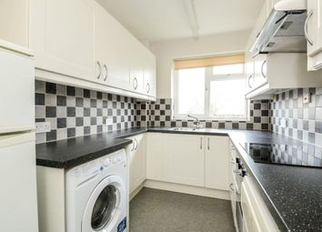 2 bed flat to rent in Carlisle Avenue, St.Albans AL3