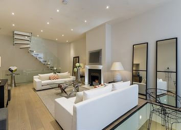 Thumbnail 3 bed mews house to rent in Queen's Gate Mews, London