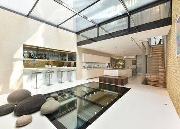 Thumbnail 6 bed town house for sale in Britton Street, London