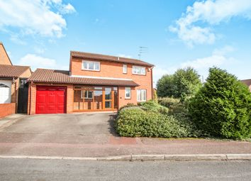 Thumbnail 4 bed detached house for sale in Wootton Close, Luton