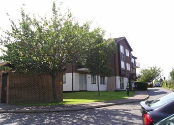 Thumbnail Studio to rent in Birchend Close, South Croydon