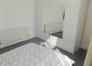 Thumbnail Room to rent in Aston View, Bramley, Leeds