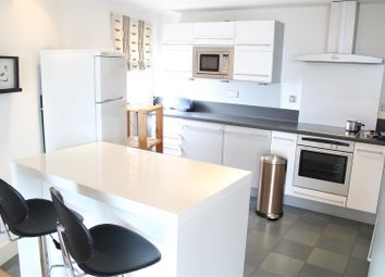 Thumbnail 2 bed flat to rent in Crews Street, London