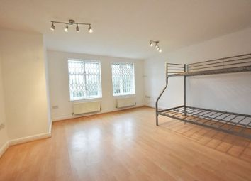 Thumbnail Room to rent in Greenhaven Drive, Thames Mead, London