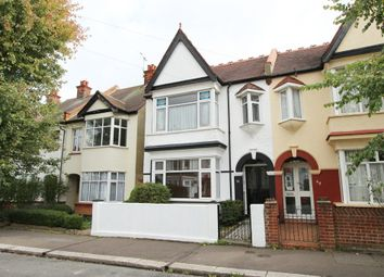 Thumbnail 2 bed flat for sale in Leighton Avenue, Leigh-On-Sea