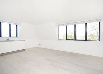 Thumbnail 2 bed flat to rent in Middleton Road, Hampstead Garden Suburb