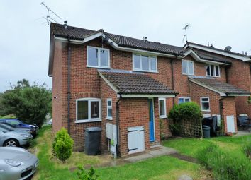 Thumbnail 2 bed property to rent in Cumberland Way, Wokingham