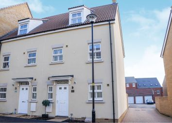 4 bed town house for sale in Truscott Avenue, Swindon SN25